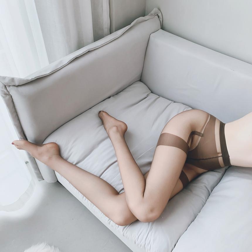 가터 무늬 밑트임 팬티 스타킹